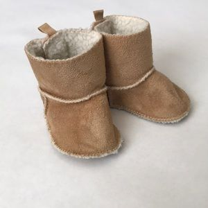Baby Gap 0-3 Month Baby Moccasin Boots